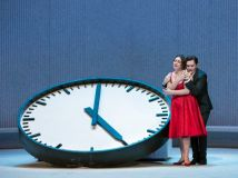 traviata-met-clock